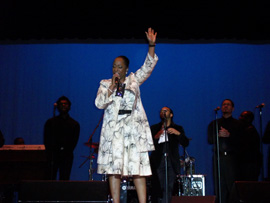 Regina Belle Performing Live